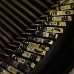 typewriter-5-1468390-640x480